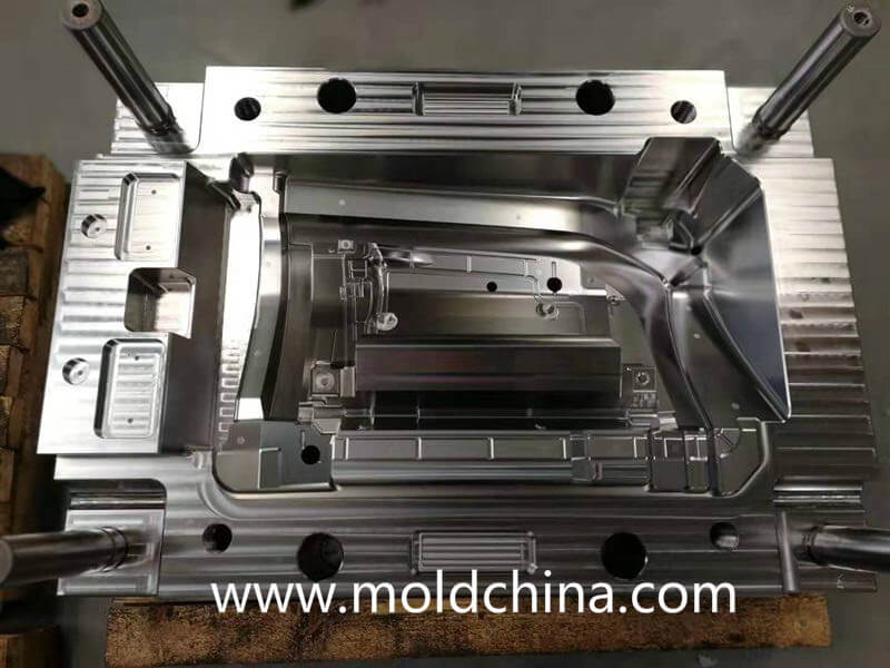 plastic injection mold in china